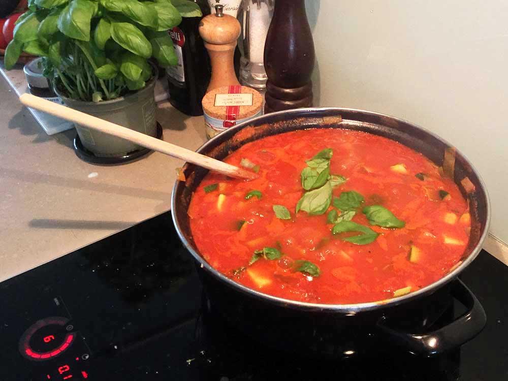 Italiaanse-groente-tomatensoep-Chef-Ernst