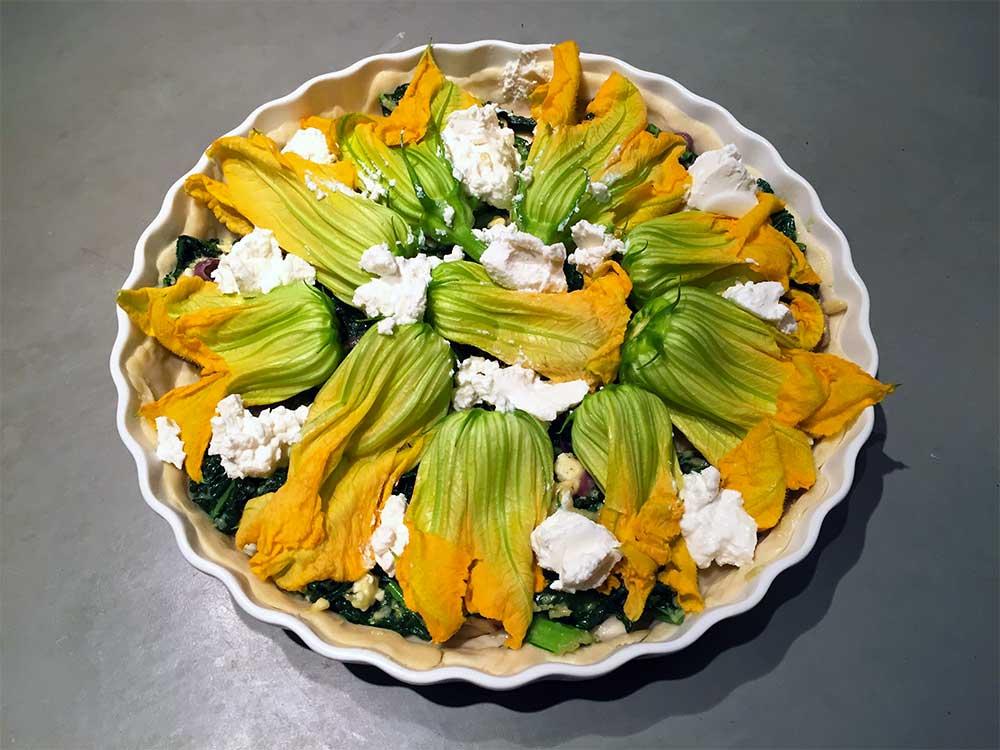 hartige glutenvrije taart met courgettebloemen