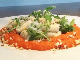 Gnocchi met tomaten-pompoen saus