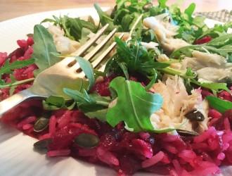 Wilde rijstsalade met biet en makreel