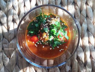 Harira met tomatenkaviaar en verse dadels
