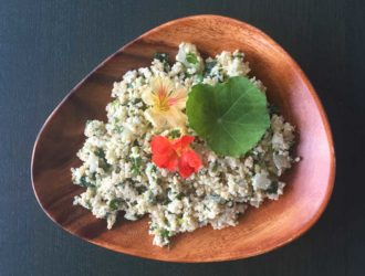 Quinoasalade met venkel, komkommer en Oost-Indische kers