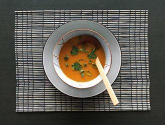 Soep van pastinaak, pompoen en wortel